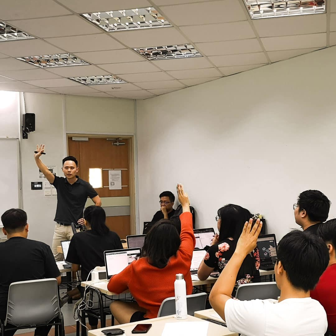 Jax Ng, coaching a group of students in a digital marketing course organized by Ngee Ann Polytechnic and ALPHA Camp.